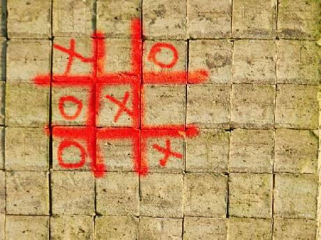 Tic Tac Toe Graffiti
